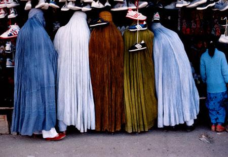afghan_women_shoe_store